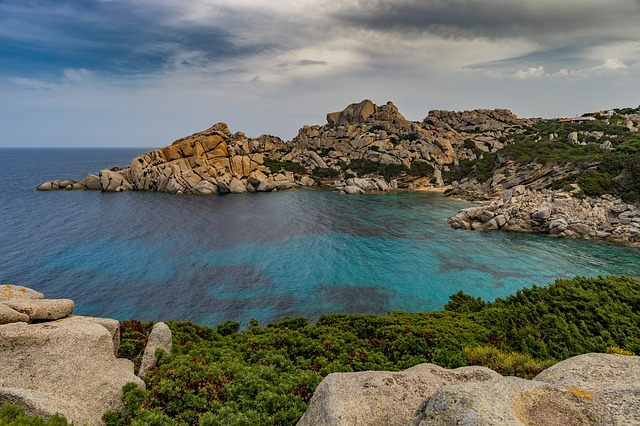 pobřeží Sardinie