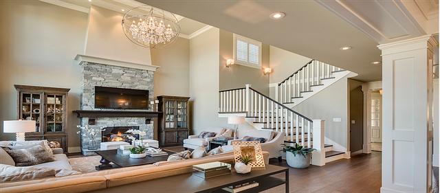 Obývací pokoj se schodištěm