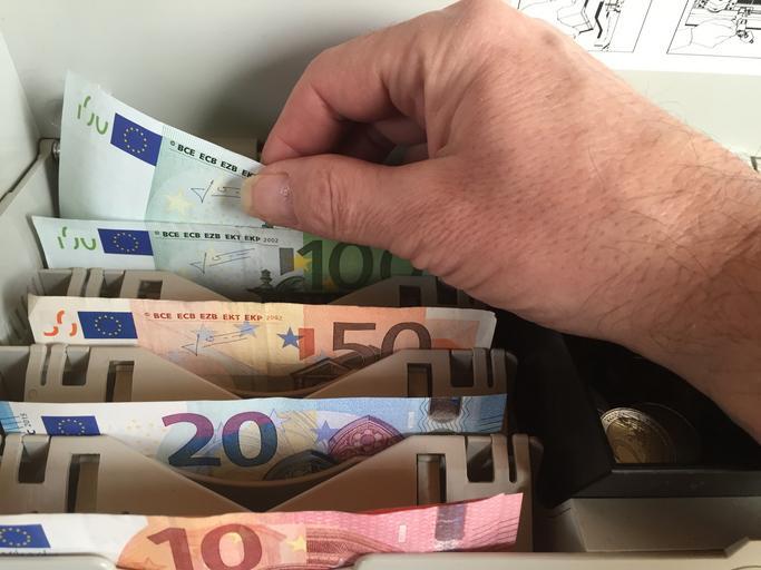 uspořádané bankovky