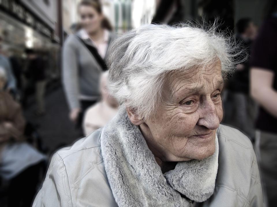 starší senior